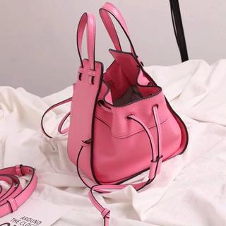 ザラ(ZARA)のブランド風 スクエア巾着ハンドバッグ ピンク インポート(ハンドバッグ)