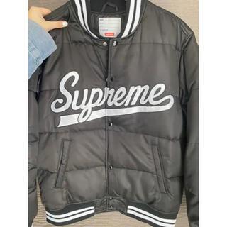 シュプリーム(Supreme)の《supreme》 puffy jacket(ダウンジャケット)