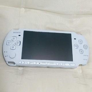 プレイステーションポータブル(PlayStation Portable)の psp本体 3000 ホワイト(携帯用ゲーム機本体)