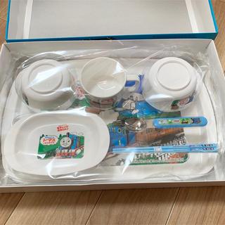 新品未使用 トーマス 食器セット 電子レンジ使用可 コップ お皿 お箸 スプーン(プレート/茶碗)
