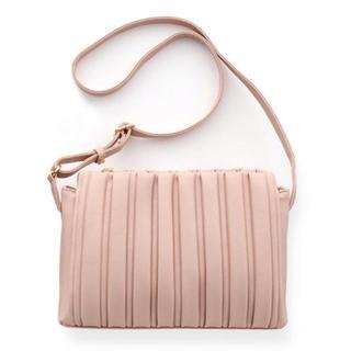 シマムラ(しまむら)のmumu ×しまむらプリーツショルダーバッグ ピンク 新品 しまコレ限定販売品(ショルダーバッグ)