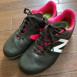 ニューバランス(New Balance)のNEW BALANCEニューバランスス★サッカースパイク★22cmカーキピンク (シューズ)