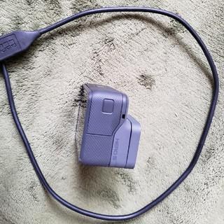 ゴープロ(GoPro)のGoPro hero5 中古 本体+充電器のみ(コンパクトデジタルカメラ)