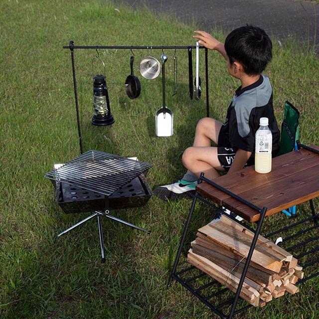 【ラスト1ケ】アイアン焚き火テーブル インテリア/住まい/日用品の机/テーブル(アウトドアテーブル)の商品写真