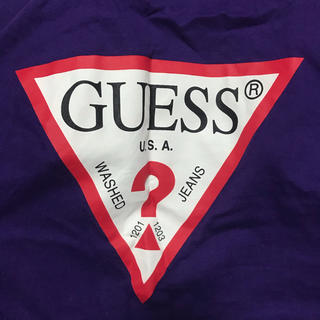 SPINNS - GUESS Tシャツ