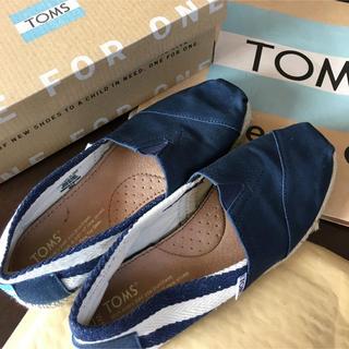 トムズ(TOMS)のTOMSスニーカー ネイビーボーダー美品(スニーカー)