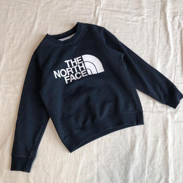 THE NORTH FACE(ザノースフェイス)のザノースフェイス ロゴ トレーナー 130 キッズ/ベビー/マタニティのキッズ服男の子用(90cm~)(ジャケット/上着)の商品写真