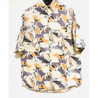 ビューティアンドユースユナイテッドアローズ(BEAUTY&YOUTH UNITED ARROWS)の半袖シャツ 総柄 イタリアデザイン ライトベージュ(シャツ)