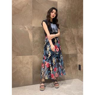 GRACE CONTINENTAL - ボタニカルバード刺繍スカート