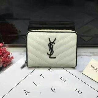 Saint Laurent - 新品未使用品イヴサンローラン 折り財布 Vステッチ