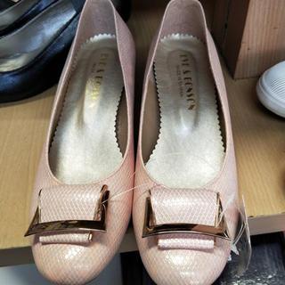 レディースハイヒール パンプス24cm 新品光沢少々 可愛いピンク色(ハイヒール/パンプス)