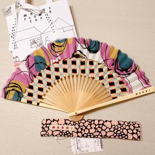 マルニ MARNI 扇子 パープル 新品 マルニカフェ ギフト包装 紙袋付き