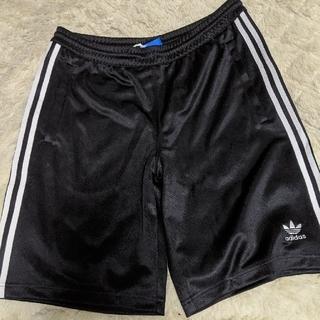 アディダス(adidas)のアディダスパンツ☆ハーフパンツ黒(ショートパンツ)