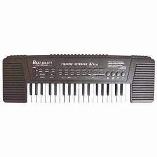 デモミュージック、録音・再生機能など多機能搭載のキーボードです。  多彩なトーン(オーボエ)