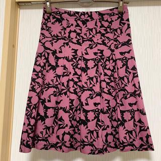 アーペーセー(A.P.C)のA.P.C  素敵な総柄フレアースカート(ひざ丈スカート)