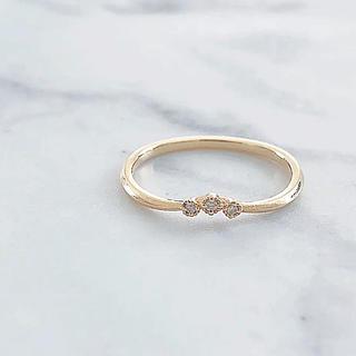 TOMORROWLAND - 美品 K18 3粒 ダイヤモンド ウェーブデザインリング