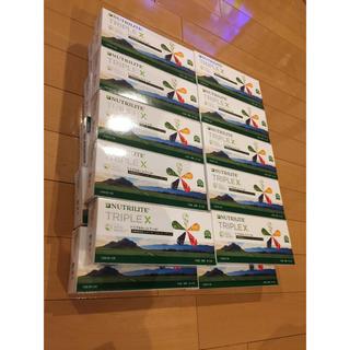 トリプルX 20個とサプリメントケース(ビタミン)