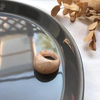 ビューティアンドユースユナイテッドアローズ(BEAUTY&YOUTH UNITED ARROWS)の【CR-1B15】marble ring -beige-(リング(指輪))