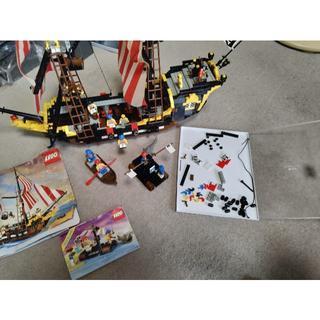 レゴ(Lego)のLEGO 6285 ダークシャーク号、6257 いかだにのった海ぞく セット(知育玩具)