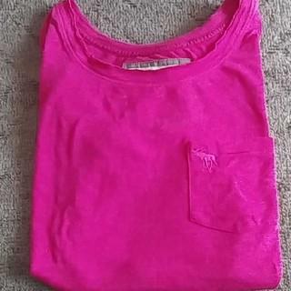 アバクロンビーアンドフィッチ(Abercrombie&Fitch)のピンクのティーシャツ(Tシャツ(半袖/袖なし))
