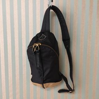 トフアンドロードストーン(TOFF&LOADSTONE)のEVER KHAKI エバーカーキ バッグ USED(ボディバッグ/ウエストポーチ)