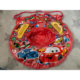 Disney - cars kids 持ち手付き足入れ浮き輪