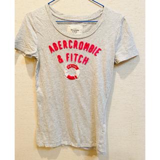 アバクロンビーアンドフィッチ(Abercrombie&Fitch)のAbercrombie & Fitch レディースTシャツ グレー(NY限定)(Tシャツ(半袖/袖なし))