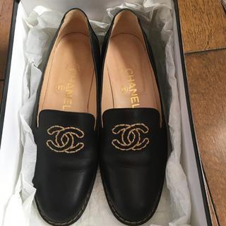 シャネル(CHANEL)のCHANEL シャネル黒のローファー(ローファー/革靴)