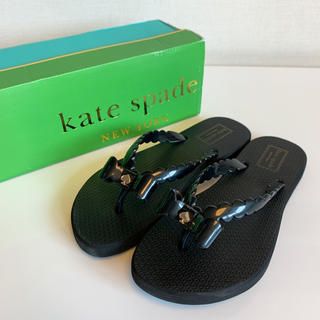 ケイトスペードニューヨーク(kate spade new york)の【新品】ケイトスペード リボン ビーチサンダル ブラック(サンダル)
