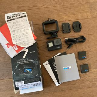 ゴープロ(GoPro)のgopro7 Black バッテリー3つ(ビデオカメラ)
