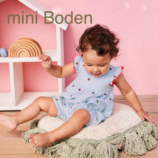 Boden - 新品 ミニボーデン いちご刺繍 ロンパース 80