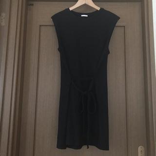 ジーユー(GU)のGU ♡ ノースリーブ トップス(カットソー(半袖/袖なし))
