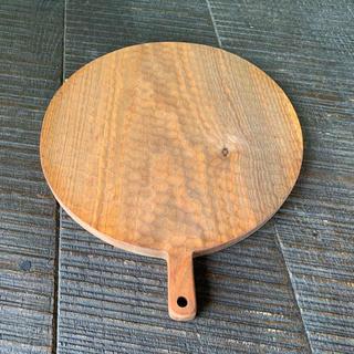 値引可 リンネル 掲載 新品 小沢賢一 カッティングボード 彫りあり 木工トレー(食器)