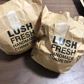 LUSH - LUSHバスボム×2個(おまけ付き)袋開封済み