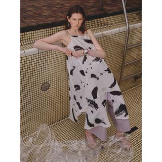 アメリヴィンテージ(Ameri VINTAGE)の定価以下新品 MEDI INK LAYERED DRESS M(ロングワンピース/マキシワンピース)