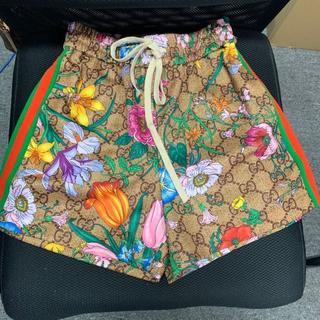 Gucci - 新作【GUCCI】フローラ プリント ショートパンツ Multicolor