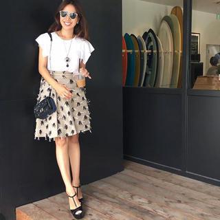 チェスティ(Chesty)の週末お値下げ中MSGM ベージュリネンデザインスカート(ひざ丈スカート)