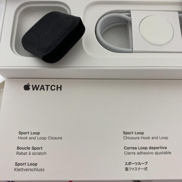 Apple(アップル)の【週末セール】アップルウォッチ シリーズ4 スマホ/家電/カメラのスマートフォン/携帯電話(その他)の商品写真