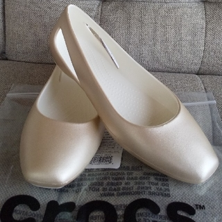 クロックス(crocs)のクロックス スローン メタリック フラットw7(バレエシューズ)