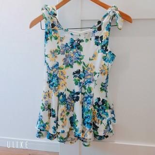 リズリサ(LIZ LISA)のリズリサ 花柄トップス(Tシャツ(半袖/袖なし))