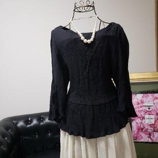 natural couture - ナチュラルクチュール ナイスクラップ 黒 トップス 袖、生地、後ろも素敵