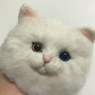 オッドアイ 猫のブローチ(コサージュ/ブローチ)
