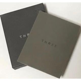 THREE - THREE スリー シマリング グロー デュオ 01 / ハイライト