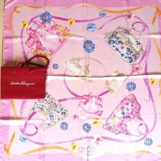 サルヴァトーレフェラガモ(Salvatore Ferragamo)のフェラガモスカーフ、ピンクバッグ柄(バンダナ/スカーフ)