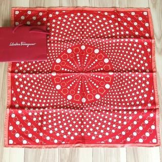 サルヴァトーレフェラガモ(Salvatore Ferragamo)のフェラガモスカーフ、赤(バンダナ/スカーフ)