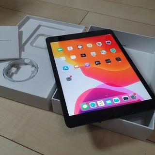 最新 7世代 ipad  今年のはじめに購入❣(タブレット)