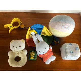 ファミリア(familiar)のファミリア  赤ちゃん 鈴 おもちゃ セット (がらがら/ラトル)