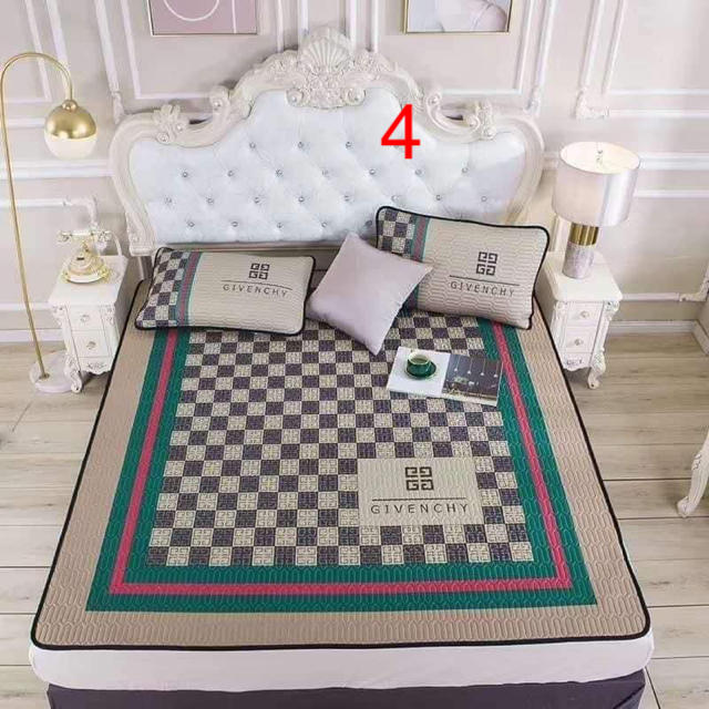 スリーピングマットと枕カバーセット インテリア/住まい/日用品の寝具(シーツ/カバー)の商品写真