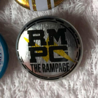 ザランページ(THE RAMPAGE)のロゴ缶バッチ(その他)