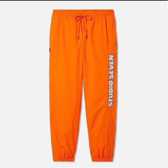 GU×studio seven ジョガーパンツ  オレンジS メンズのパンツ(ワークパンツ/カーゴパンツ)の商品写真